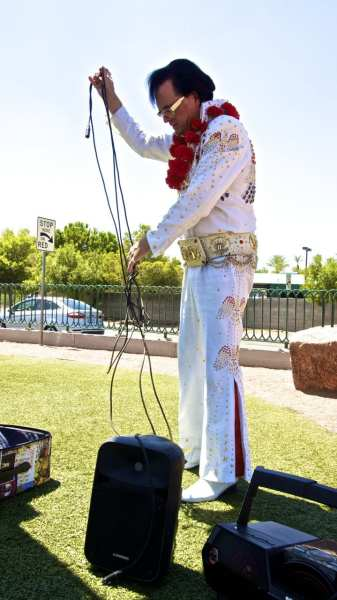 Elvis prepares for the big show