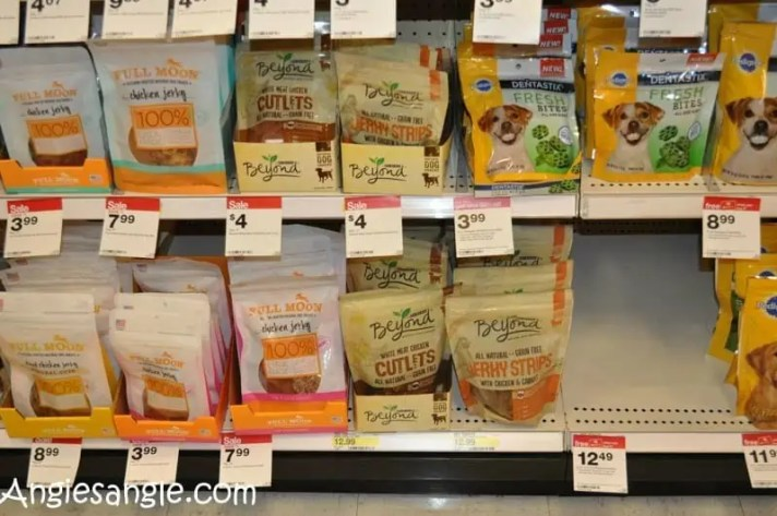 How to Fill a Halloween Bag For Your Dog - Purina In Store