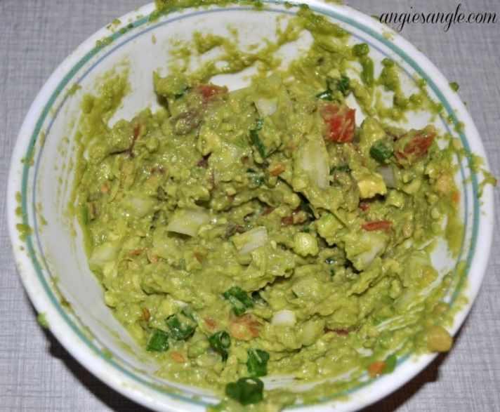 Lettuce Tacos That Pop - Guacamole
