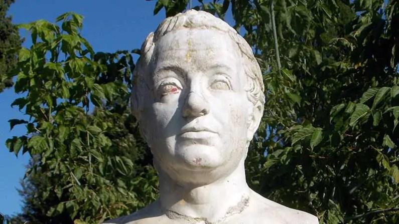 monument-statue-ancient-historic-grave-face-919625-pxhere.com