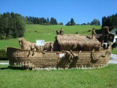 Straw sculptures Berchtesgaden