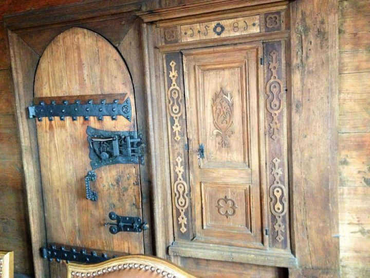 Old door Dettelbach