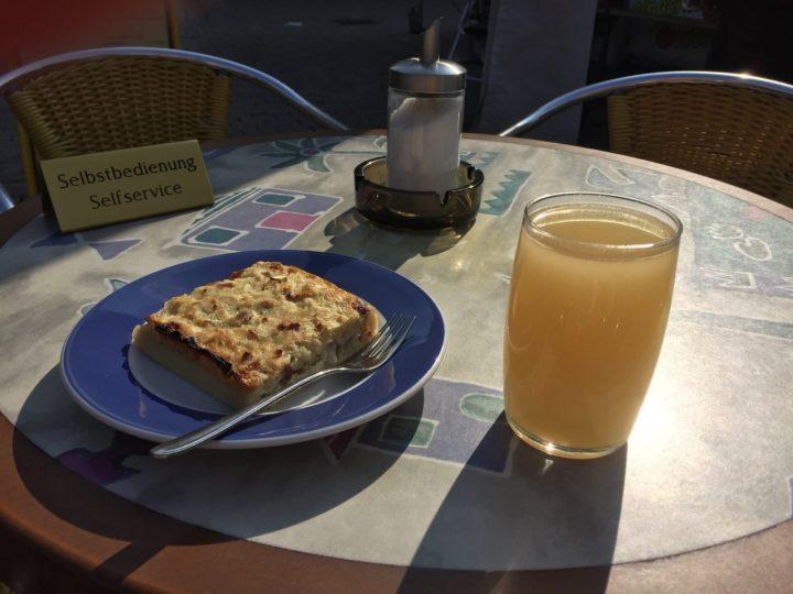 Zwiebelkuchen and Federweisser