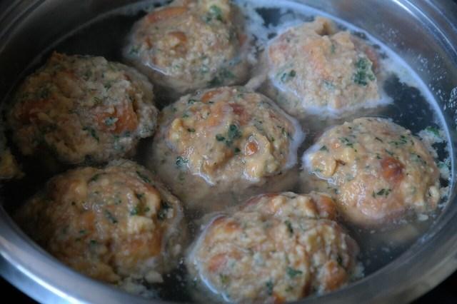 Semmelknoedel (boiling), German Bread dumplings