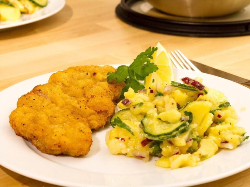 Schnitzel with potato salat