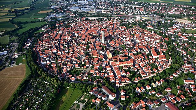Noerdlingen is built on a crater