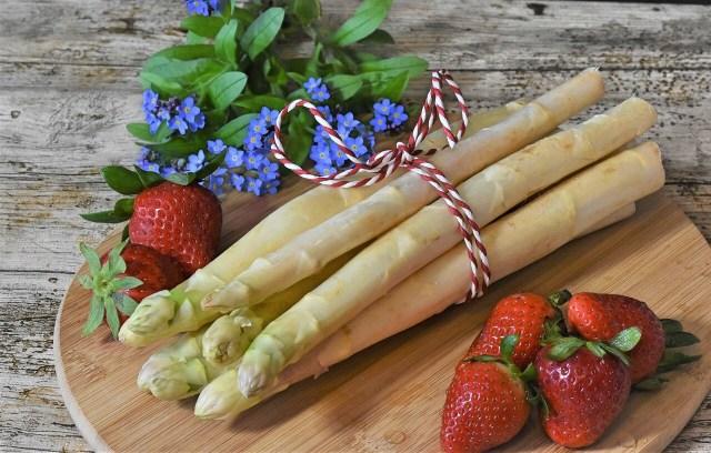 Weisser Spargel, white asparagus