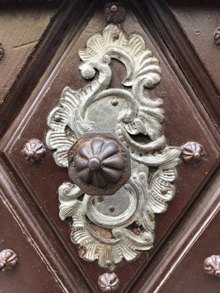 Historic knobs an pulls