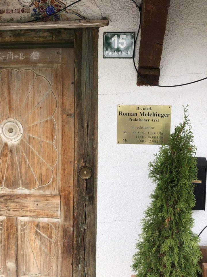 Dr Roman Mechinger sign,Ellmau, Arztpraxis, Doktor office, der Bergdoktor