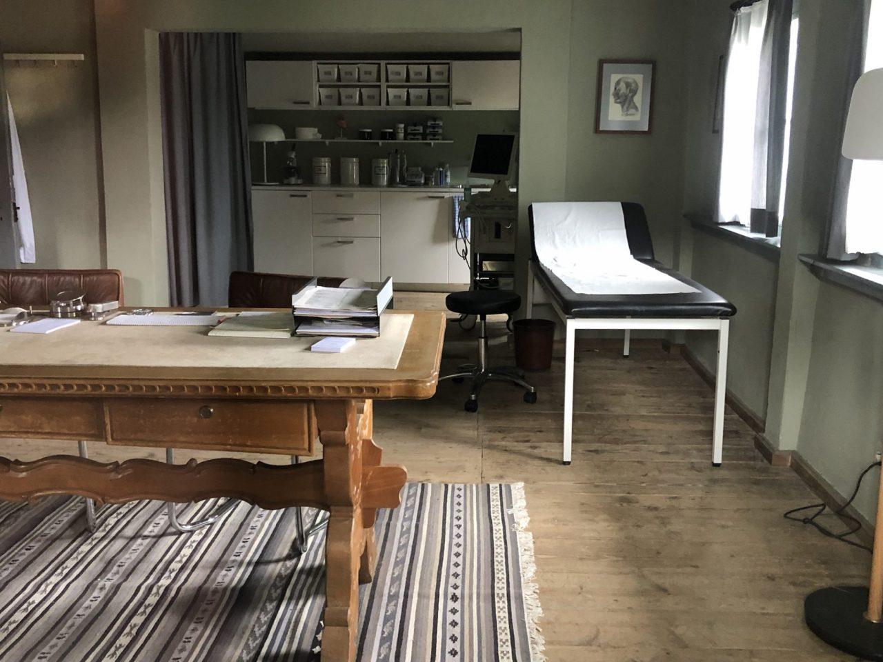 Ellmau, Arztpraxis, Doktor office, der Bergdoktor