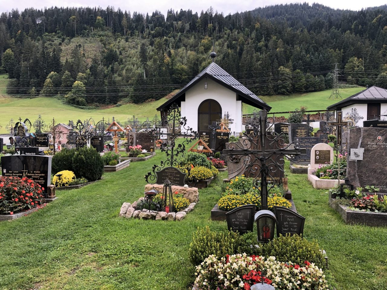 Cemetery at Going am Wilden Kaiser, der Bergdoktor