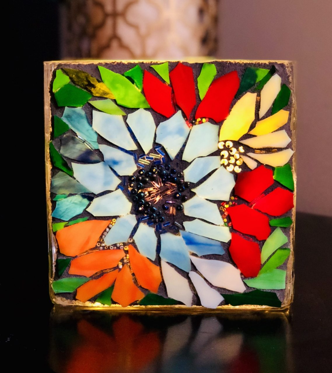 Angie's Glass Mosaic Lillie, flowers