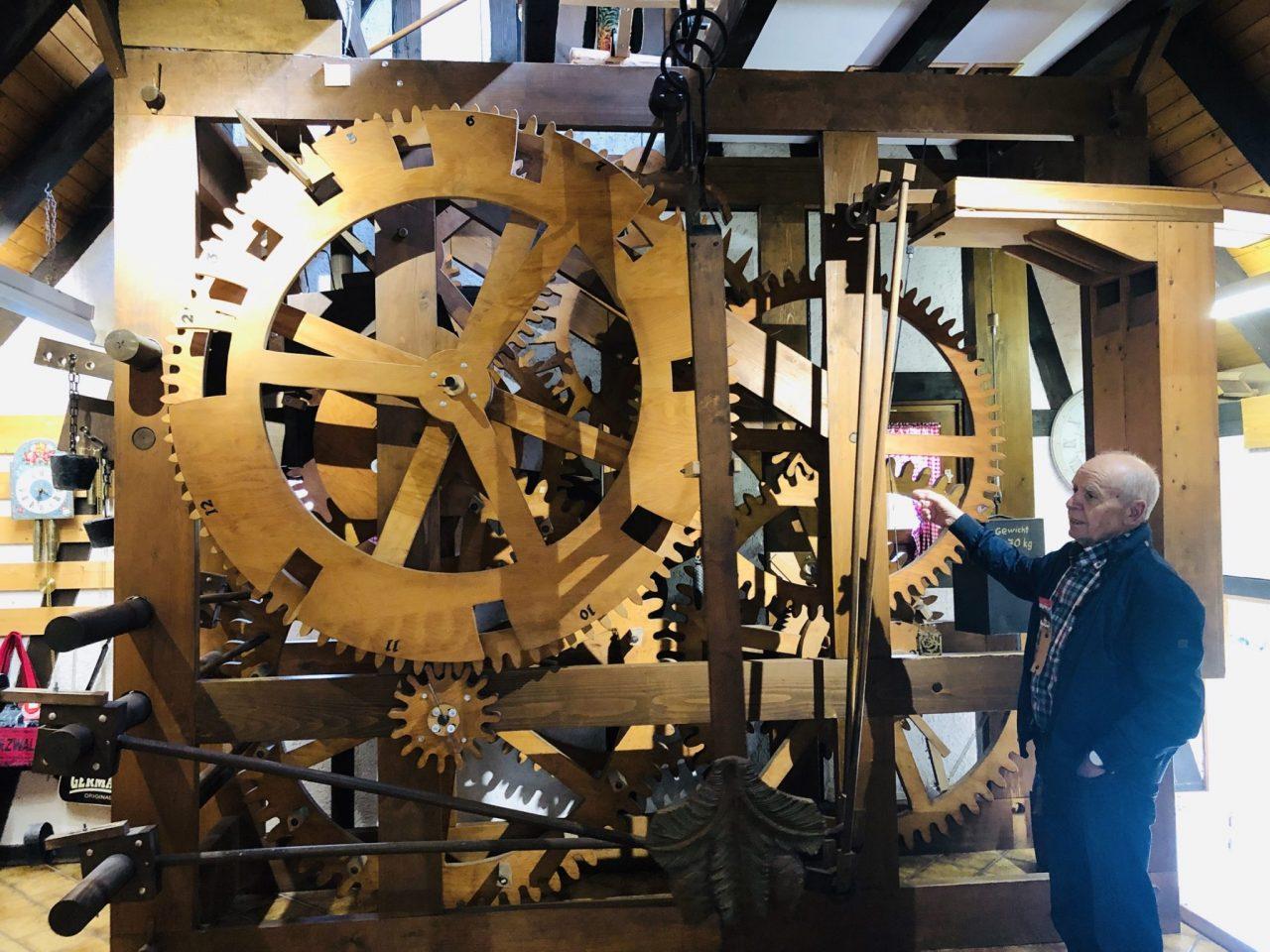 Mechanism of cuckoo clock enlarged