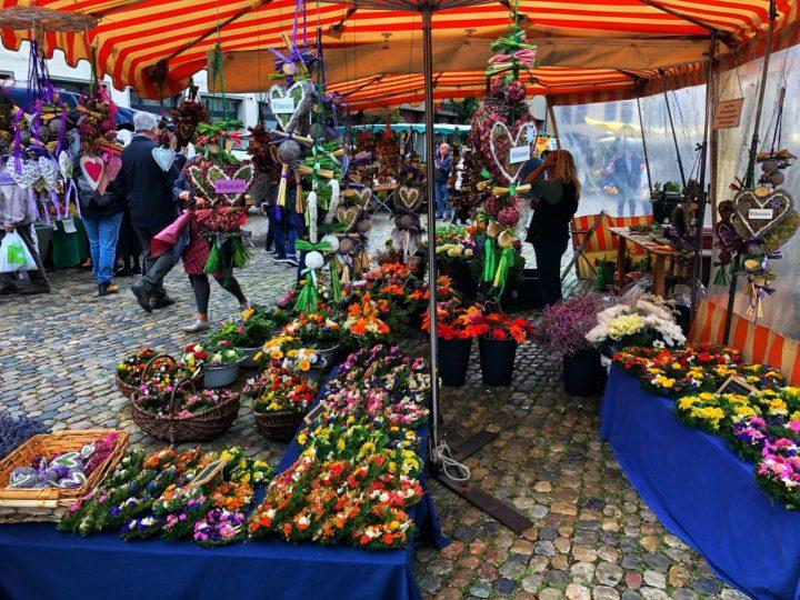 Freiburg Münsterplatz Market