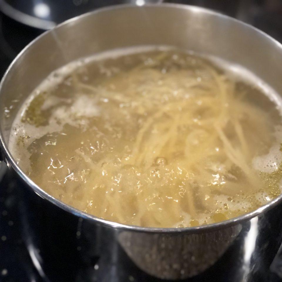 boiling Spaghetti in pot