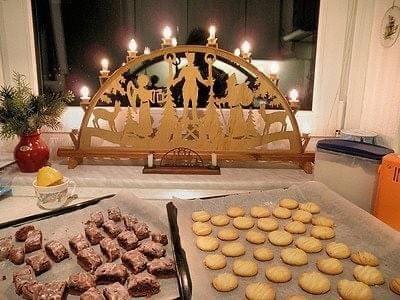 Christmas Schwibbogen Ornament, cookies