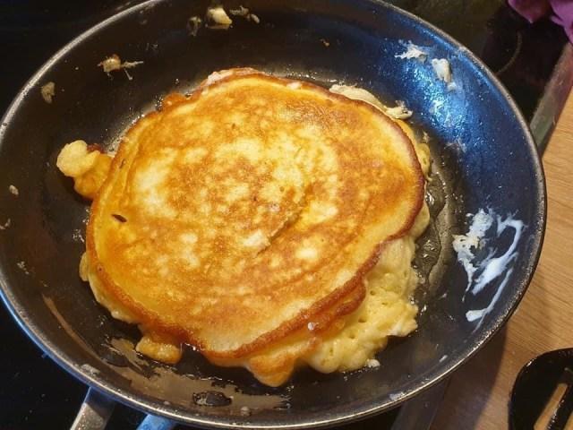 Apple Pancakes, Apfelkräpfchen preparation, batter
