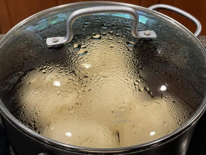 Steaming Dampfnudeln, German steamed dumplings