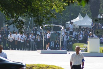 Ringing the gong of peace