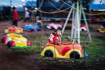 cambodia_fairground_panning