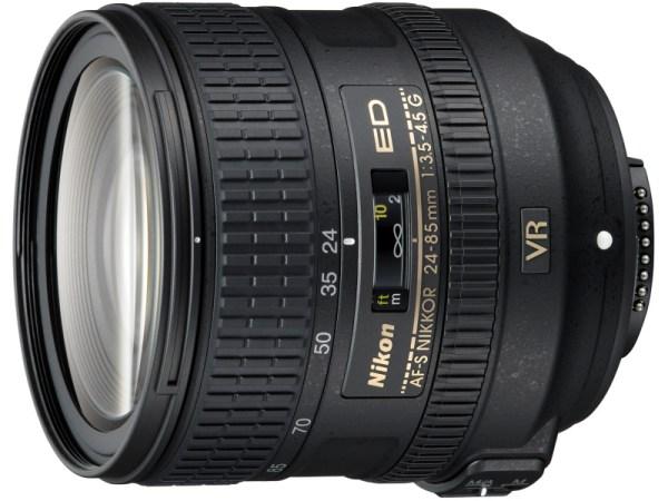 D810のキットレンズである24-85mm F3.5-4.5G ED VR。実勢価格は約50,000円。