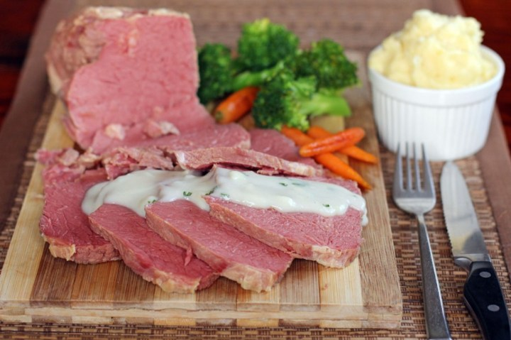 Corned Beef with White Onion Sauce Wide
