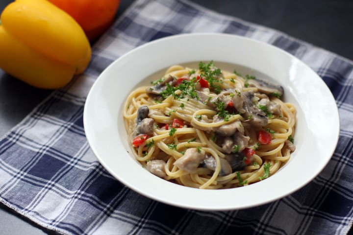 Creamy Chicken, Mushroom and Bell Pepper Pasta Wide