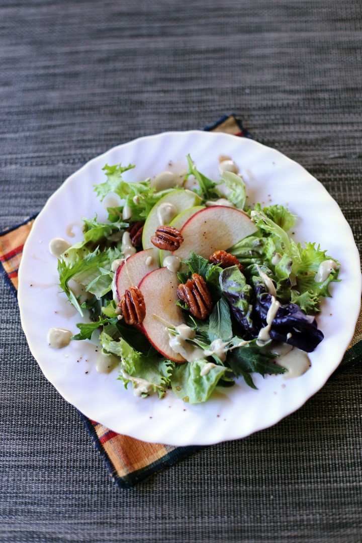 Apple and Pecan Nut Salad