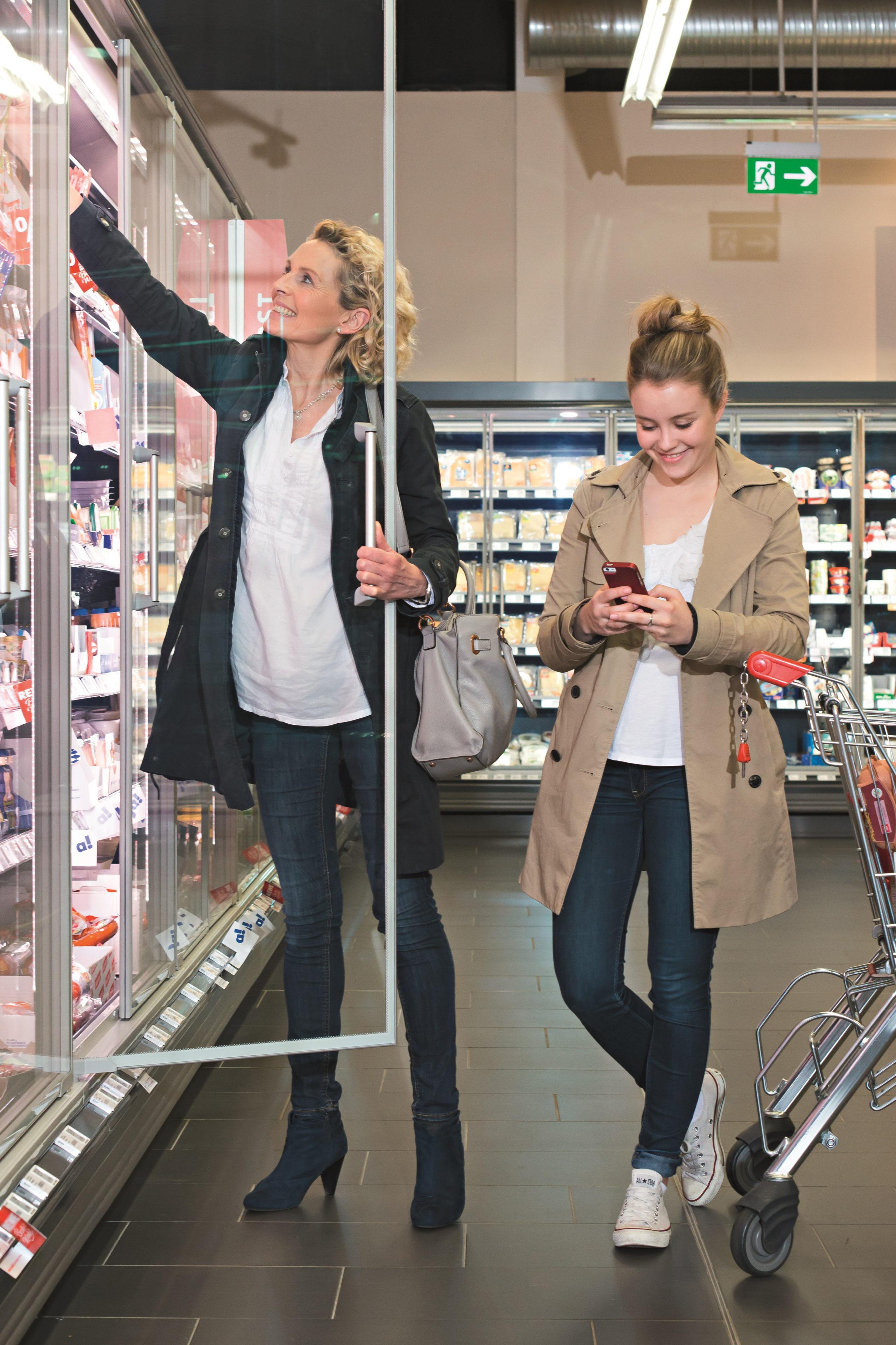 Augen auf beim Einkauf: Das regelmäßige Erfassen aller Ausgaben hilft, sich einen zusätzlichen finanziellen Spielraum zu verschaffen - Einnahmen und Ausgaben kontrollieren