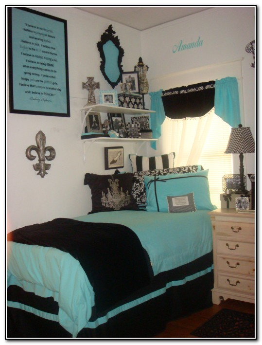 Dorm Room Bedding And Decor