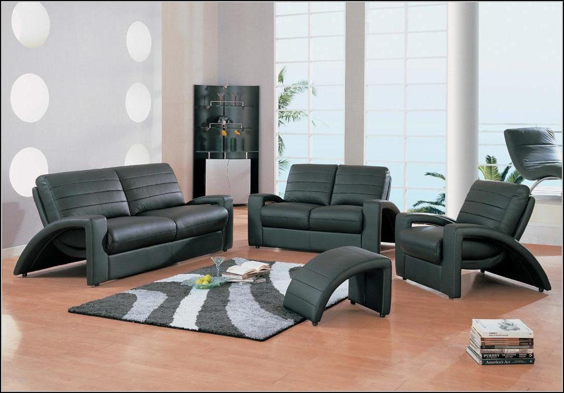 Living Room Chairs And Ottomans