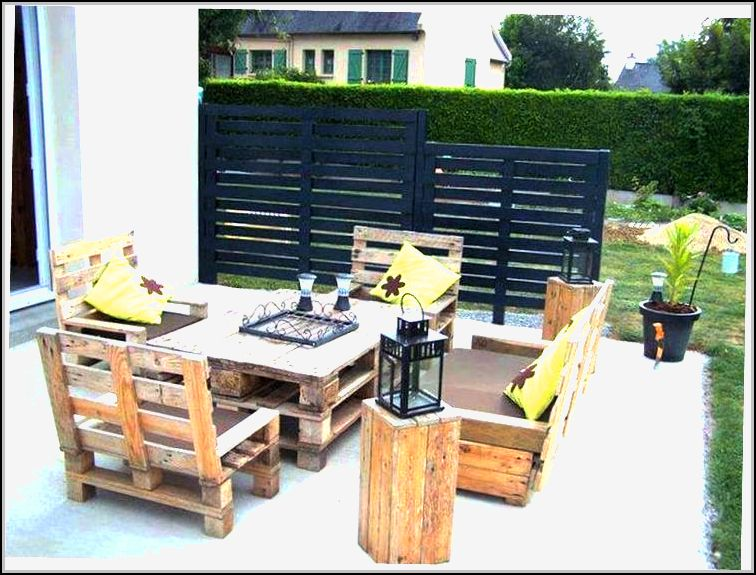 Outdoor Patio Furniture Made From Pallets
