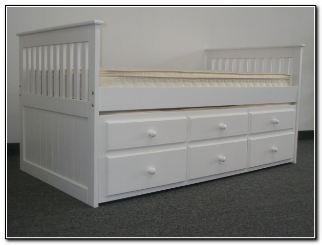 Captains Bed Twin With Twin Trundle And Drawers In White