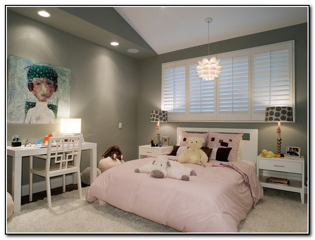 Queen Size Beds For Small Rooms