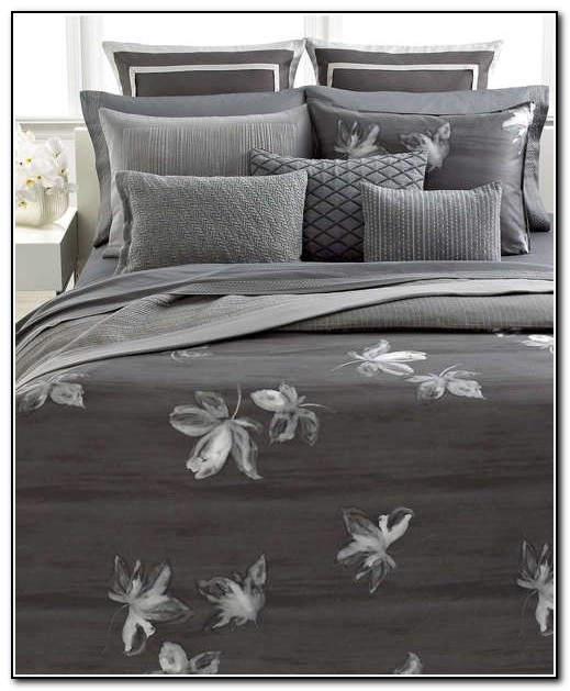 Vera Wang Bedding Charcoal Flower Collection