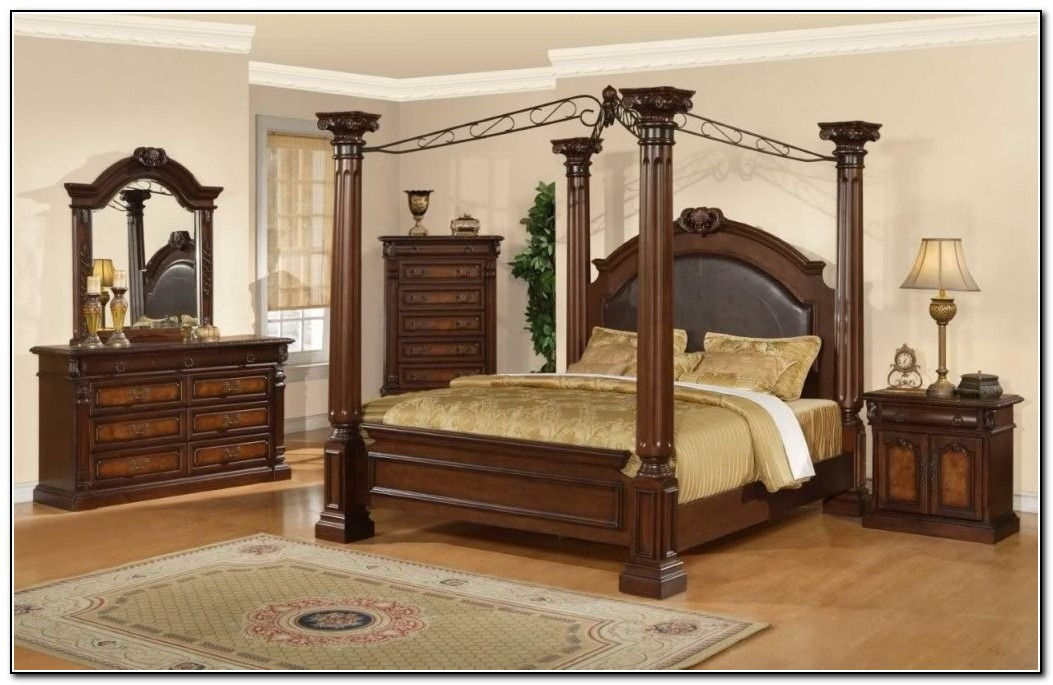 King Canopy Bed Drapes