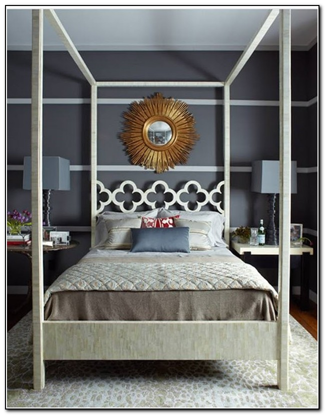 Quatrefoil Queen Canopy Bed