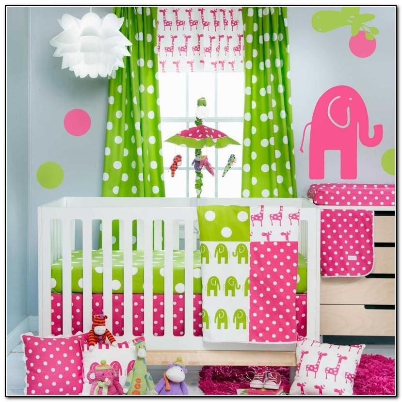 Green Giraffe Baby Bedding
