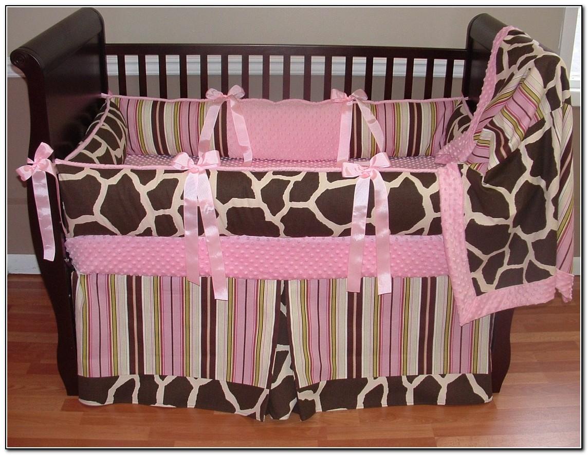 Pink Giraffe Baby Bedding
