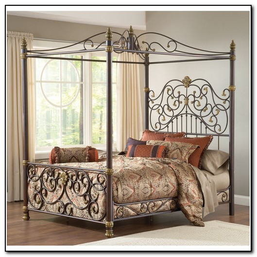 Black Wrought Iron Canopy Bed