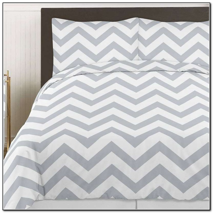 Grey Chevron Bedding Set