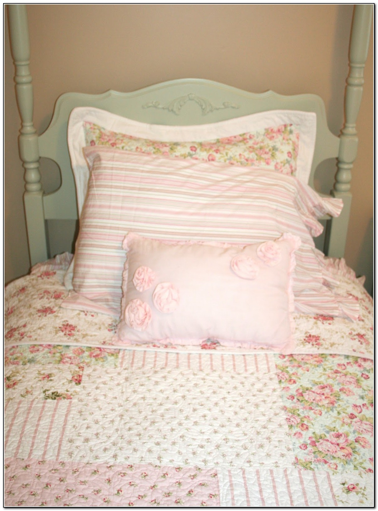 Shabby Chic Little Girl Bedding