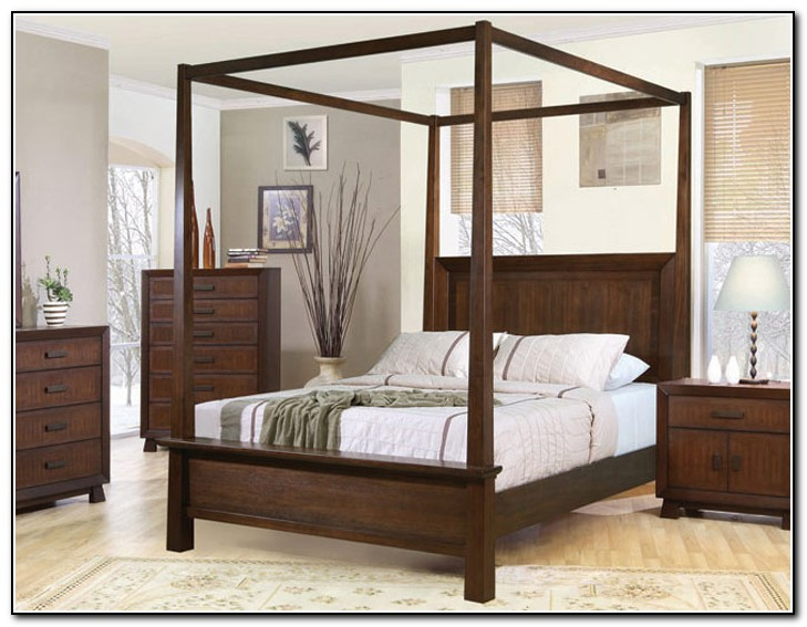 4 Post Bed With Curtains