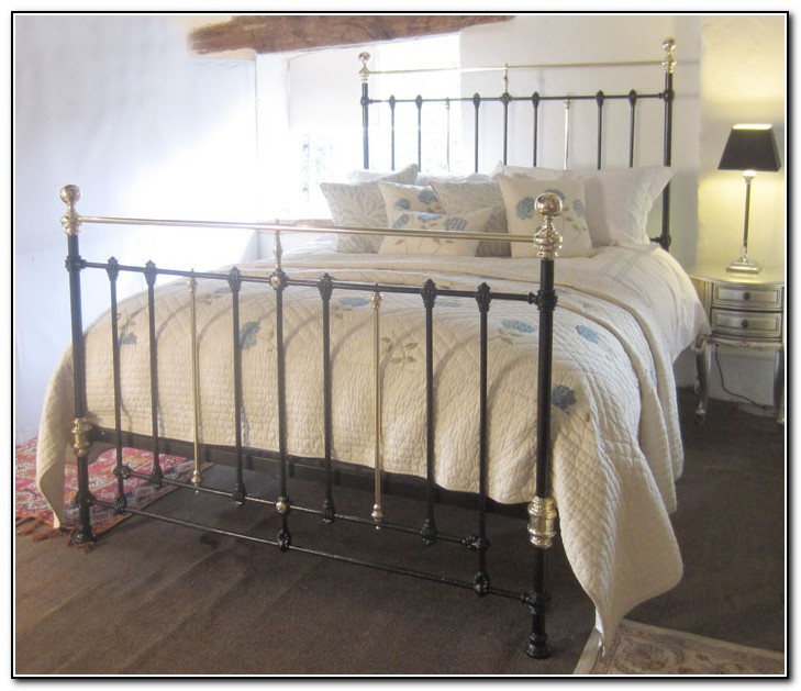 Pictures Of Antique Iron Beds
