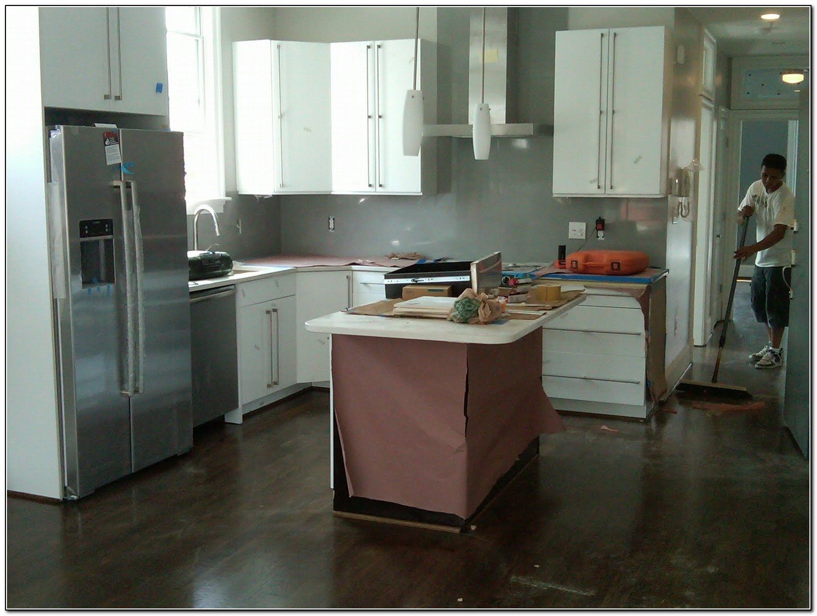 White Kitchen Cabinets With Dark Floors