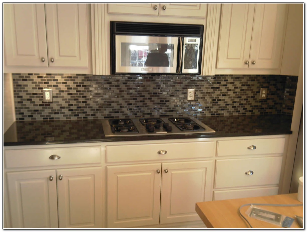 Kitchen Tile Backsplash Ideas With Maple Cabinets