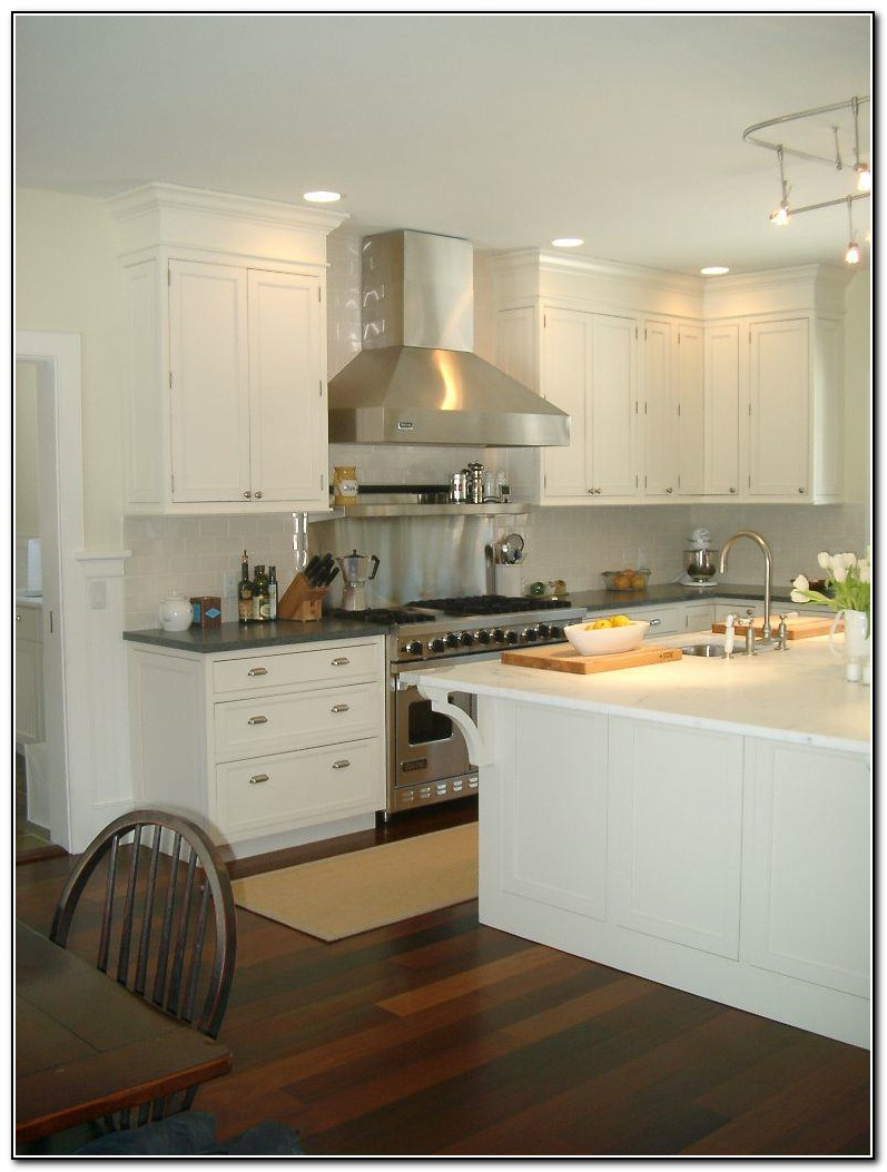 White Kitchen Backsplash Tiles