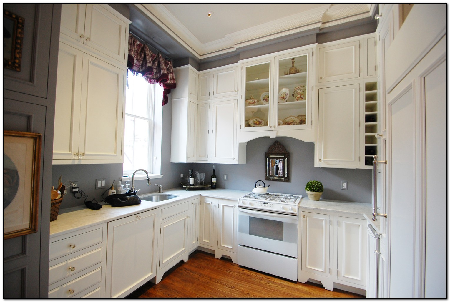 Cherry Kitchen Cabinets With Grey Walls