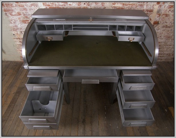 Antique Roll Top Desk With Hutch