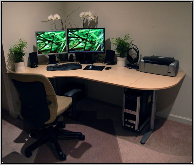 Corner Computer Desks For Small Spaces